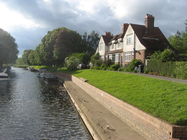 Linton on Ouse to York, North Yorkshire