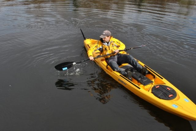 essential paddle strokes for sit on top kayakers