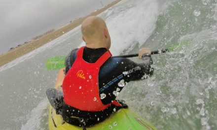 Strap it up – using kayak thigh straps in surf